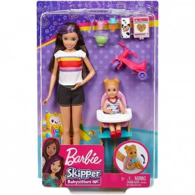 Barbie Skipper Babysitter dà la pappa